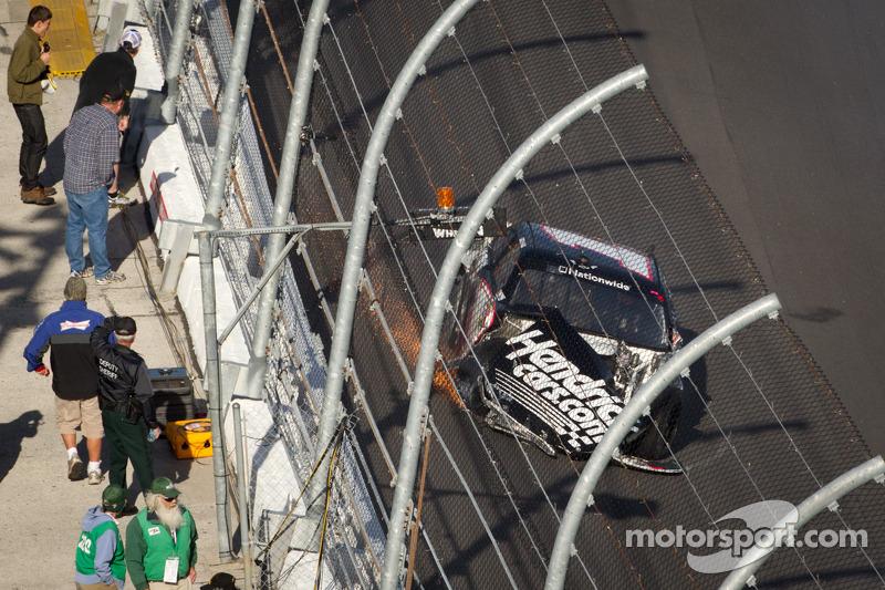Kyle Busch, Kyle Busch Motorsports Toyota crash