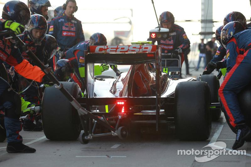 Jean-Eric Vergne, Scuderia Toro Rosso pitstop