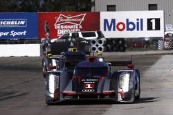 #1 Audi Sport Team Joest Audi R18: Marcel Fässler, Andre Lotterer, Benoit Tréluyer