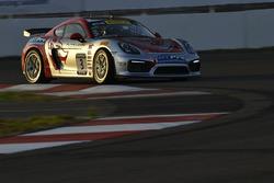 #3 Flying Lizard Motorsports, Porsche Cayman GT4: Rodrigo Baptista