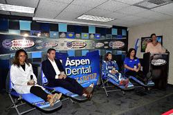 Dr. Vincent, Chad Seigler, Danica Patrick, Stewart-Haas Racing, Michelle Vaeth, ve Jamie Little