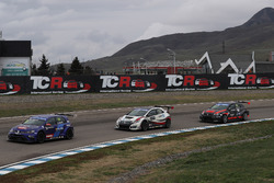 Gianni Morbidelli, West Coast Racing, Volkswagen Golf GTi TCR; Roberto Colciago, M1RA, Honda Civic TCR; Ferenc Ficza, Zele Racing, SEAT León TCR