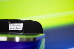 Name labels for Stoffel Vandoorne, McLaren, and Jolyon Palmer, Renault Sport F1 Team RS17