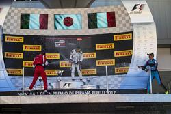Подіум: переможець Нірей Фукузумі (ART), другий призер Леонардо Пульчіні (Arden), третій призер Алессіо Лоранді (Jenzer)