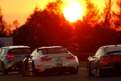 №40 Sorg Rennsport, BMW M4 GT4: Дирк Адорф, Рики Коллард, Йорг Вайдингер, Джетро Бовингдон