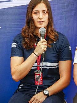 Тетяна Калдерон, Sauber, на прес-конференції Motorsport для жінок