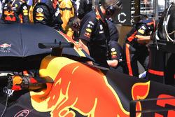 Red Bull Racing RB13 rear bodywork detail