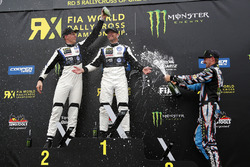 Podio: il vincitore Petter Solberg, PSRX Volkswagen Sweden, il secondo classificato Johan Kristoffersson, Volkswagen Team Sweden, il terzo classificato Andreas Bakkerud, Hoonigan Racing Division Ford