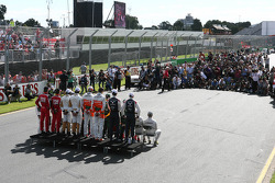 Drivers photo with F1 photographers