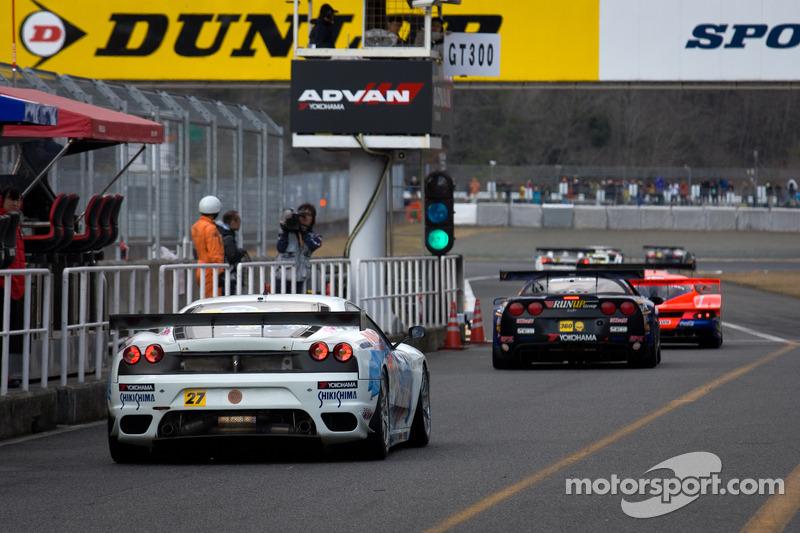 GT300 cars voor kwalificaties