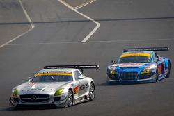 GT300 start: #52 Green Tec & Leaon Racing Team Mercedes-Benz SLS AMG GT3: Hironori Takeuchi, Haruki Kurosawa and #21 Hitotsuyama Racing Audi R8 LMS: Cyndie Allemann, Akihiro Tsuzuki