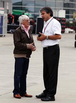 Bernie Ecclestone, CEO Formula One Group, met Pasquale Lattuneddu, FOM