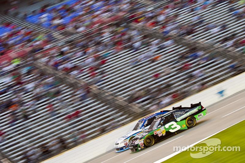 Austin Dillon, Richard Childress Racing Chevrolet and Elliott Sadler, Richard Childress Racing Chevrolet