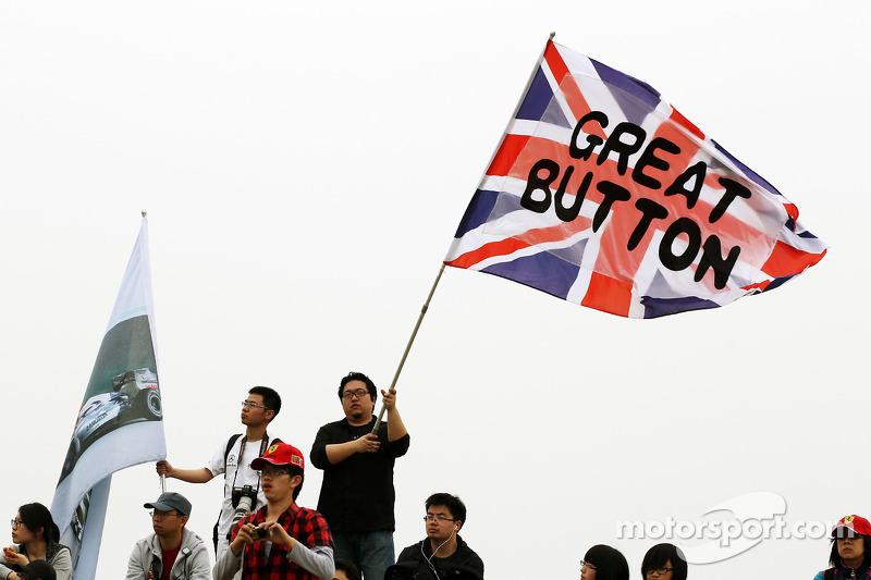 Jenson Button, McLaren fans en vlag