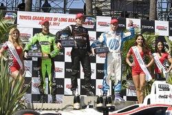 Podium: winner Will Power, Verizon Team Penske Chevrolet, second place Simon Pagenaud, Schmidt/Hamilton Motorsports Honda, third place James Hinchcliffe, Andretti Autosport Chevrolet