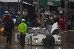 Pit stop for #2 Starworks Motorsport Ford Riley: Alex Popow, Lucas Luhr