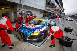 Pit stop for #21 Hitotsuyama Racing Audi R8 LMS: Cyndie Allemann, Akihiro Tsuzuki, Yukinori Taniguchi