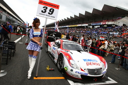 Race queen for #39 Lexus Team Sard Lexus SC430: Juichi Wakisaka, Hiroaki Ishiura