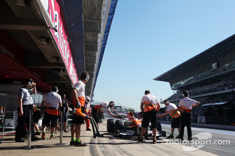 Jules Bianchi, Sahara Force India F1 Team in de pits