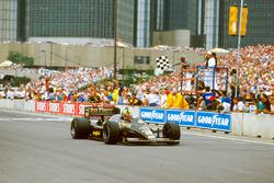 Sieg für Ayrton Senna, Lotus 98T Renault