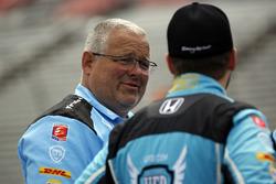 Marco Andretti, Andretti Autosport Honda crewman Mike Miller