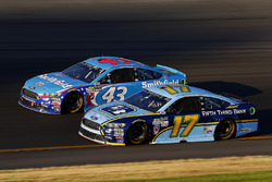 Darrell Wallace Jr., Richard Petty Motorsports Ford, Ricky Stenhouse Jr., Roush Fenway Racing Ford