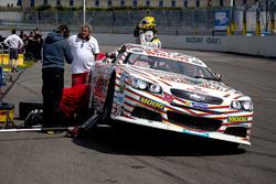 Boxenstopp für  Maciej Dreszer, DF1 Racing Chevrolet