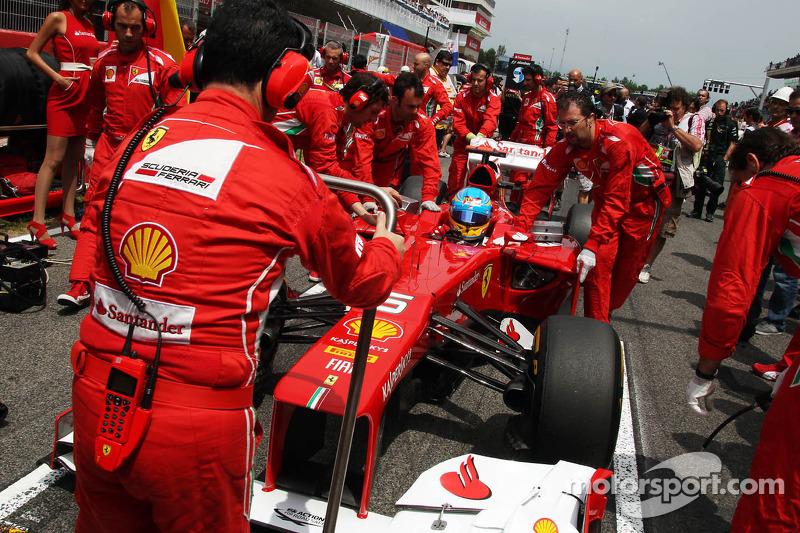 Fernando Alonso, Scuderia Ferrari op de grid