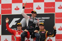 Кими Райкконен, Фернандо Алонсо и Пастор Мальдонадо. ГП Испании, Воскресенье, после гонки.