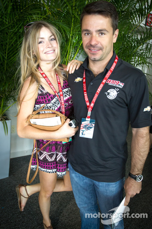 Oriol Servia, Dreyer & Reinbold Racing Chevrolet with his girlfriend