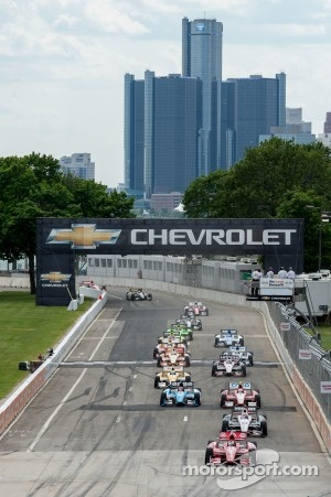 Start: Scott Dixon, Target Chip Ganassi Honda leads