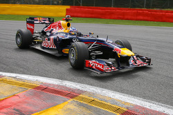 Red Bull F1 Saturday demonstration with Daniel Ricciardo