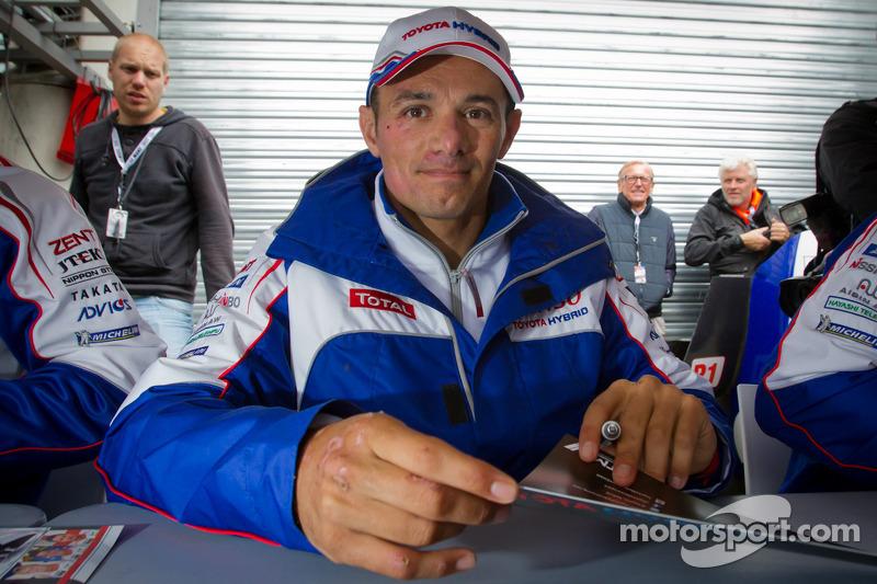 Autograph session: Stéphane Sarrazin
