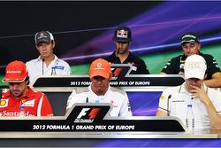 FIA persconferentie, Daniel Ricciardo, Scuderia Toro Rosso; Heikki Kovalainen, Caterham; Fernando Alonso, Ferrari; Lewis Hamilton, McLaren; Pedro De La Rosa, HRT Formula 1 Team