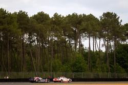 #83 JMB Racing Ferrari 458 Italia: Manuel Rodrigues, Philippe Illiano, Alain Ferté, #21 Strakka Racing HPD ARX 03a Honda: Nick Leventis, Danny Watts, Jonny Kane