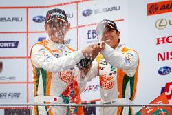 GT300 podium: third place Hiroki Yoshimoto and Kazuki Hoshino