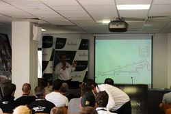Race Director Eduardo Freitas gives a driver briefing