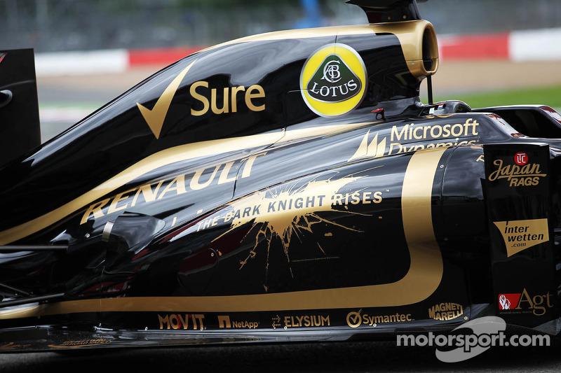 "Em 2012, o carro escolhido para divulgar ""Batman Dark Knight Rises"" foi a Lotus"