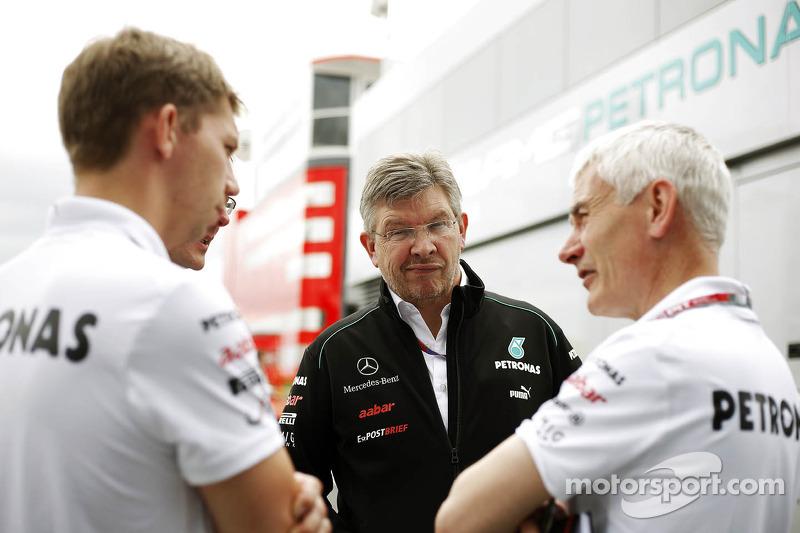 Ross Brawn, Mercedes Mercedes AMG F1 Team Principal, en Geoff Willis, Hispania Racing F1 Team, Techn