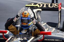 Ganador de la carrera Esteban Gutiérrez