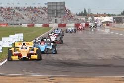 Ryan Hunter-Reay, Andretti Autosport Chevrolet and Simon Pagenaud, Schmidt/Hamilton Motorsports Honda