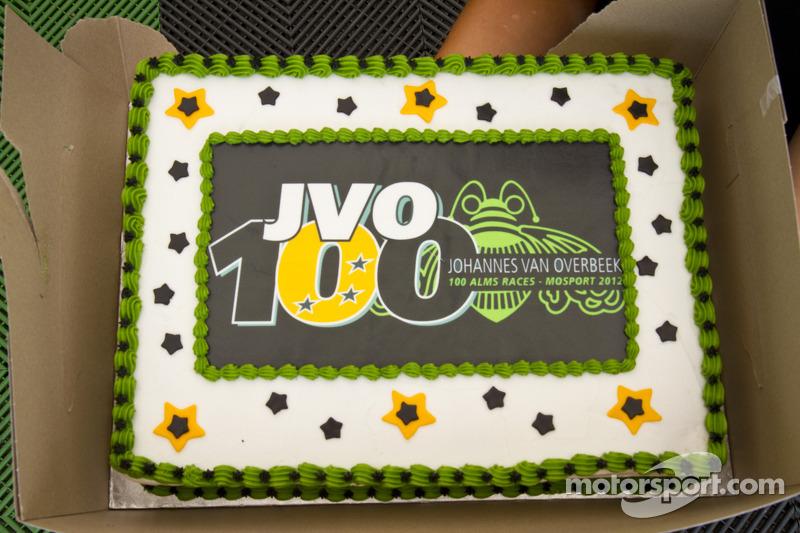 Johannes van Overbeek viert 100ste race