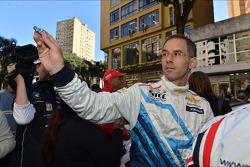 Autograph session, Alain Menu, Chevrolet Cruze 1.6T, Chevrolet