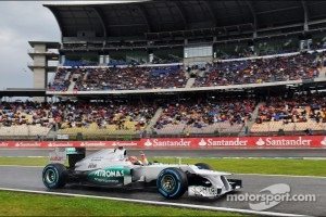 Michael Schumacher, Mercedes AMG F1 waves to the fans at the end of qualifying