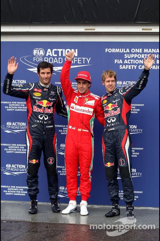Parc ferme Mark Webber, Red Bull Racing, segunda; Fernando Alonso, Ferrari, pole position; Sebastian Vettel, Red Bull Racing, terceiro