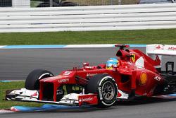 Fernando Alonso, Scuderia Ferrari over de kerbs