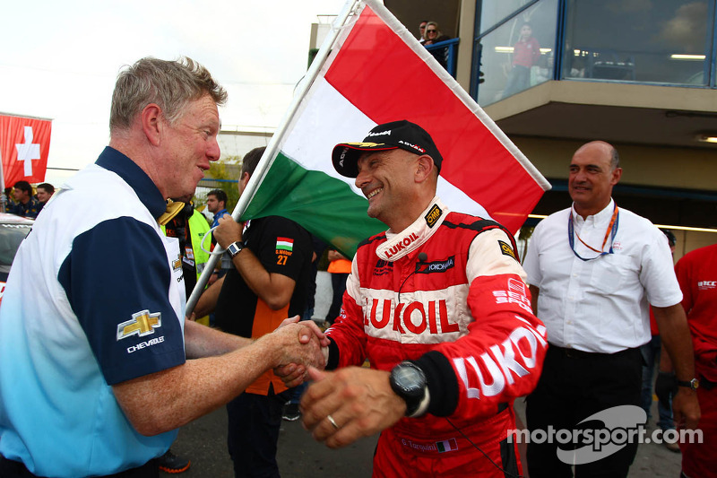 Eric Neve, Chevrolet Europe Motorsport Manager en Gabriele Tarquini, SEAT Leon WTCC, Lukoil Racing Team
