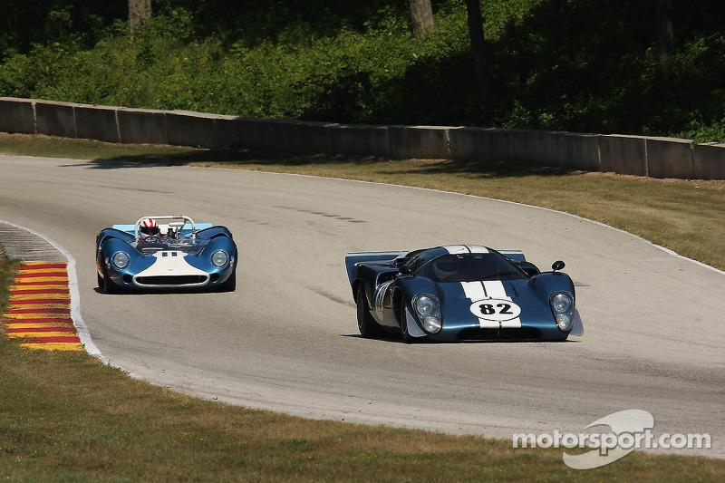 #82 1969 Lola T70 MkIIIB : Hobie Buppert #11 1965 Lola T70 MkI : Marc Devis