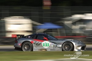 #91 SRT Motorsports Viper:Dominik Farnbacher, Kuno Wittmer