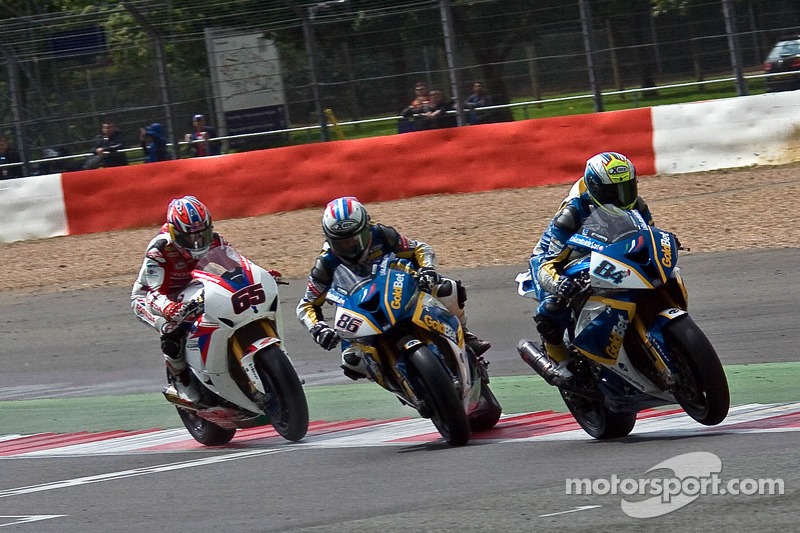 Michel Fabrizio wins as Ayrton Badovini crashes ahead of Jonathan Rea